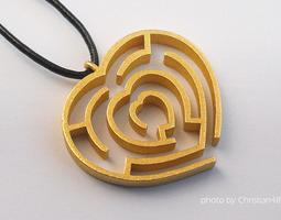 Heart maze pendant 3D printable model