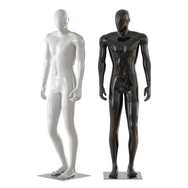 Faceless male mannequin 32