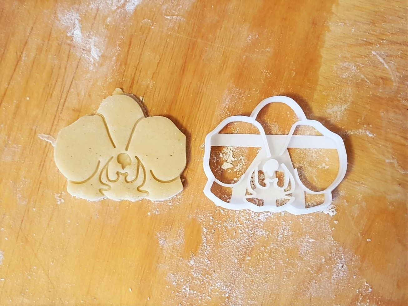 Orchid flower cookie cutter
