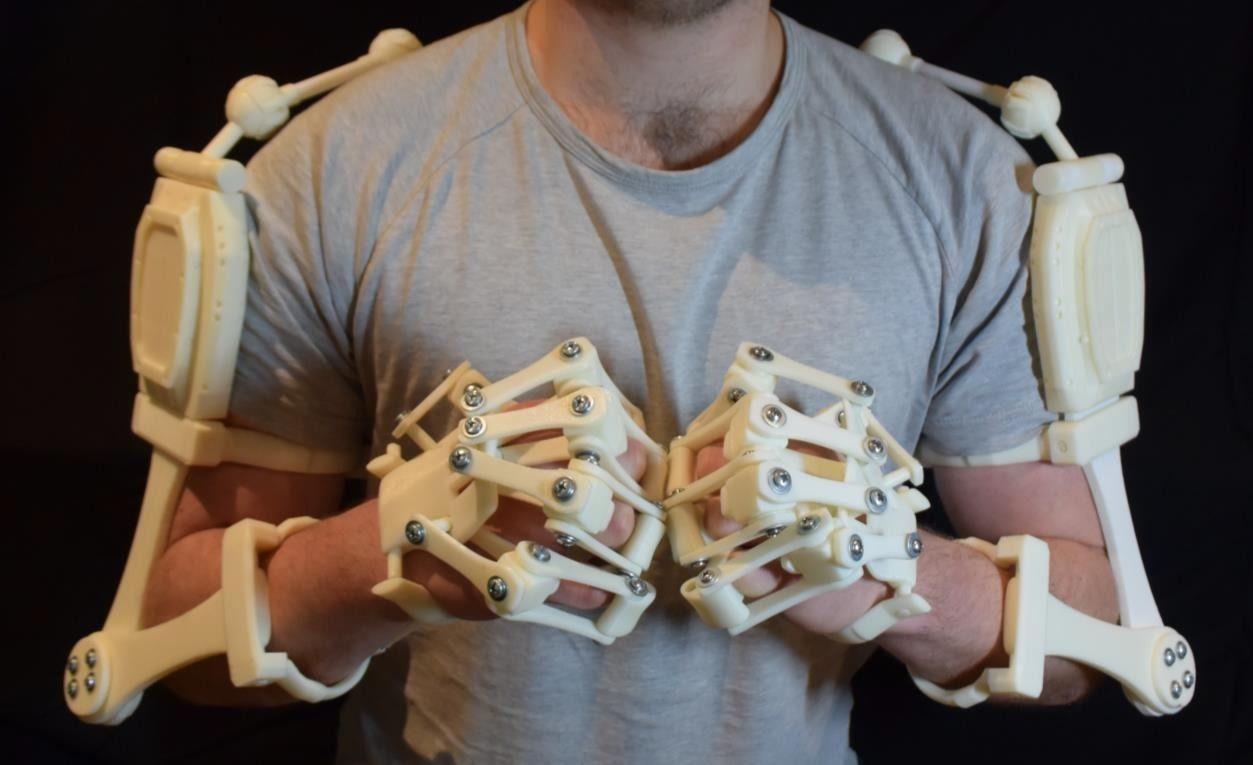 Très 3D Printed Exoskeleton Arms | CGTrader SL22