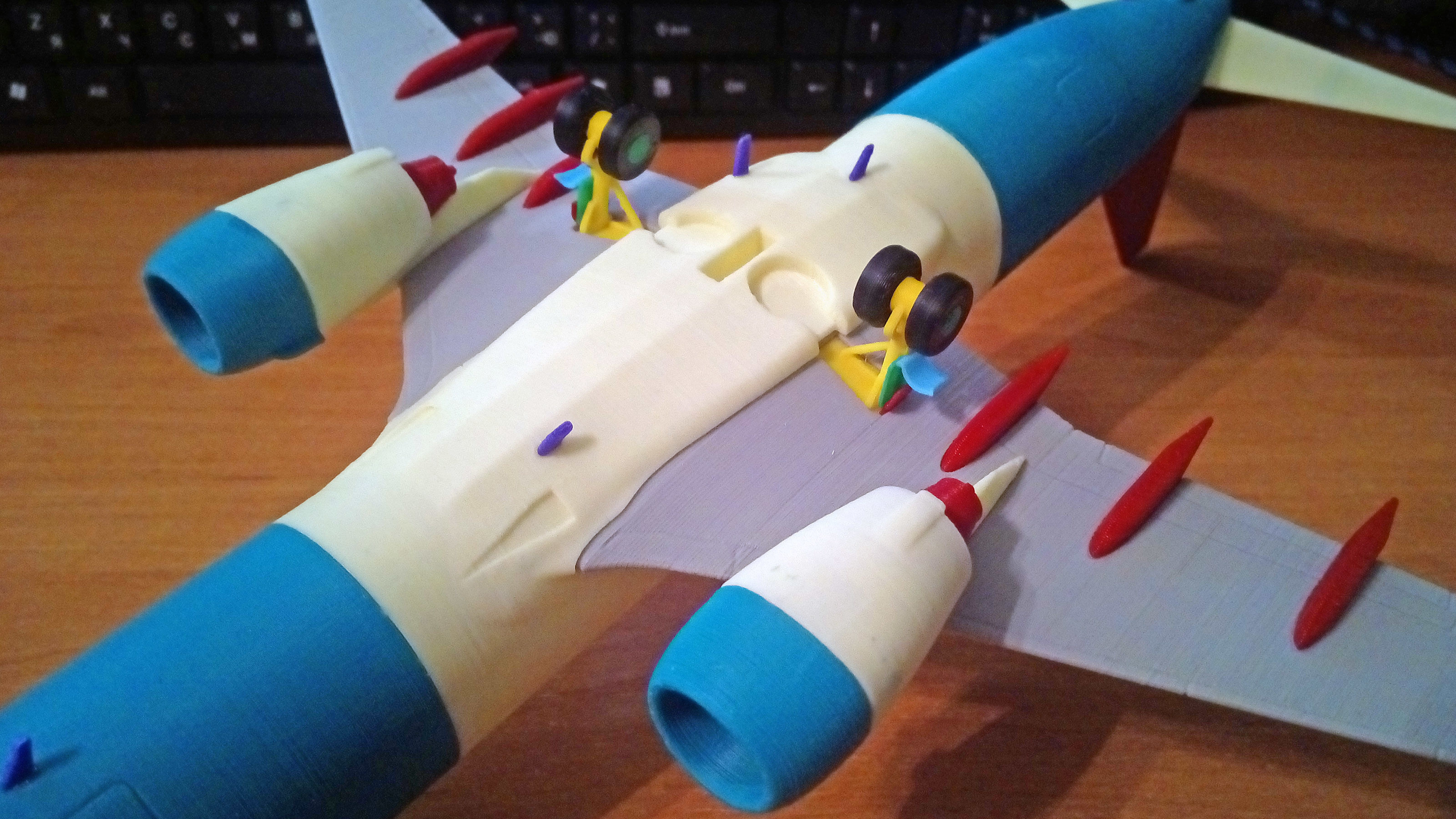 121214 Boeing 737-800 Split Scimitar Down