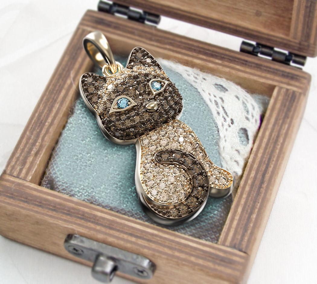 Siamese kitten pendant