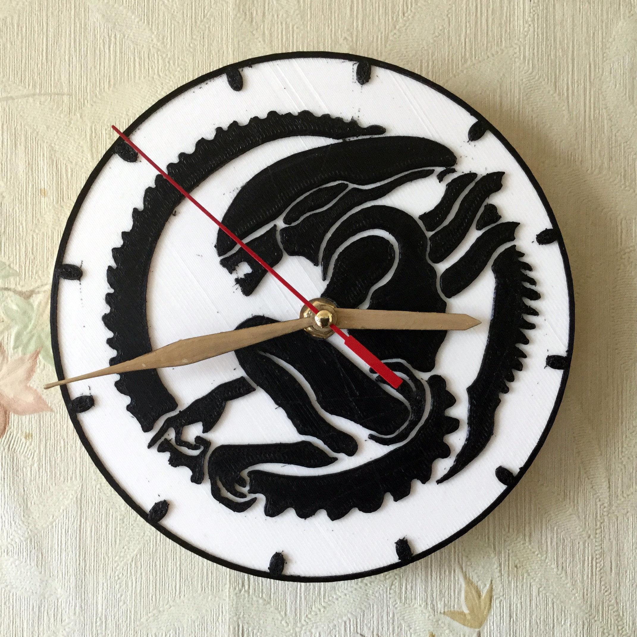 Wall clock ALIEN