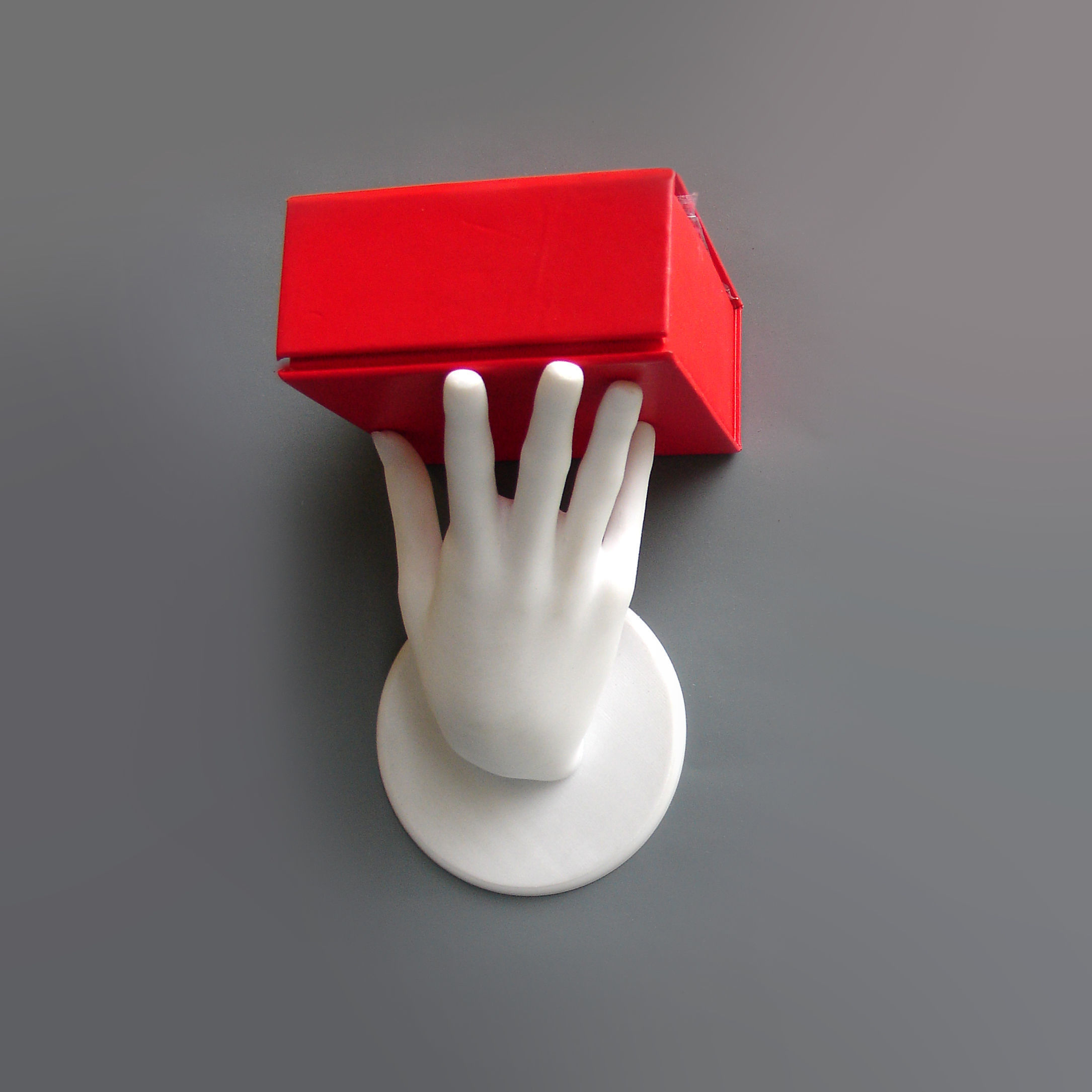 Hand shelf holder